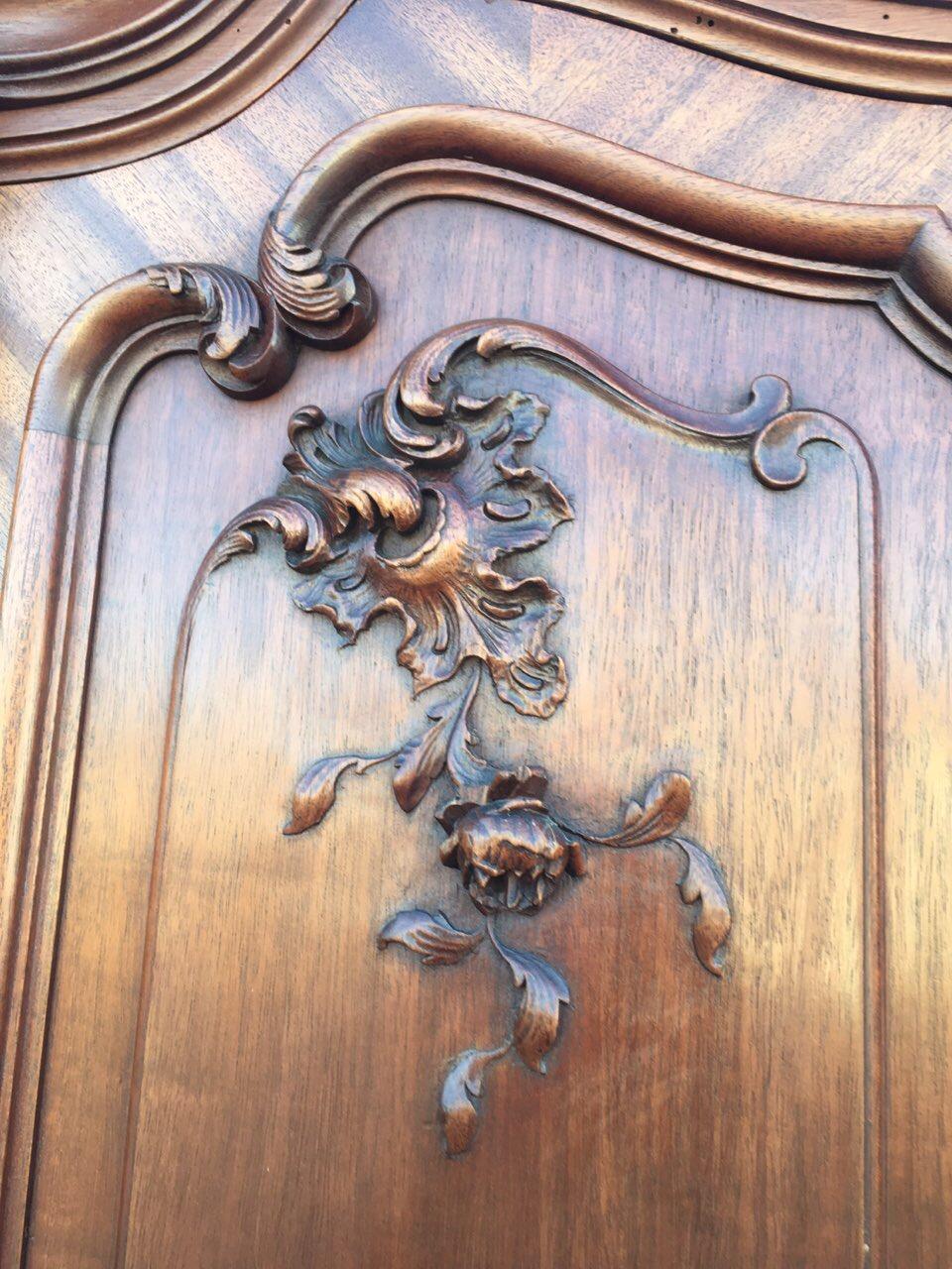 Антикварный шкаф в стиле Рококо 180324004