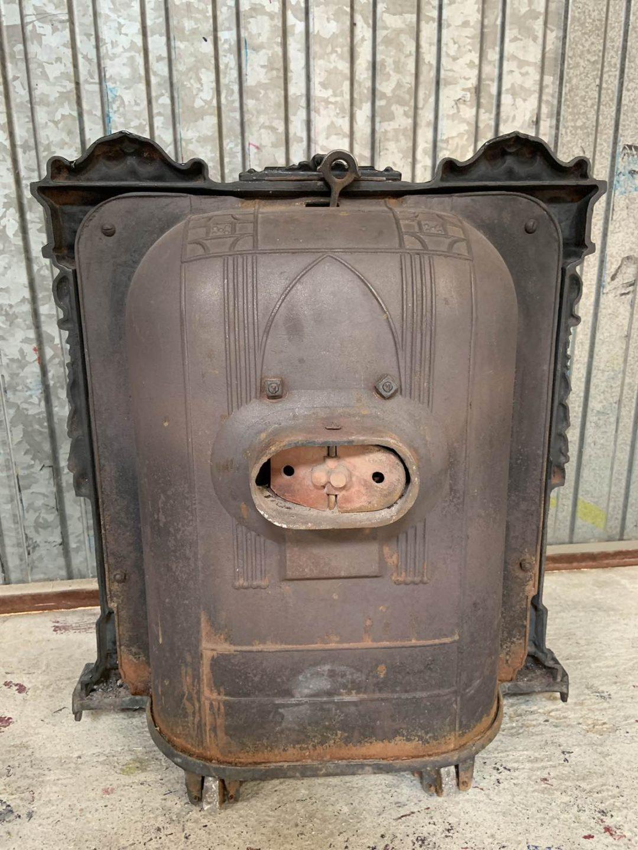 Антикварная чугунная печь в стиле Саламандра 190918003