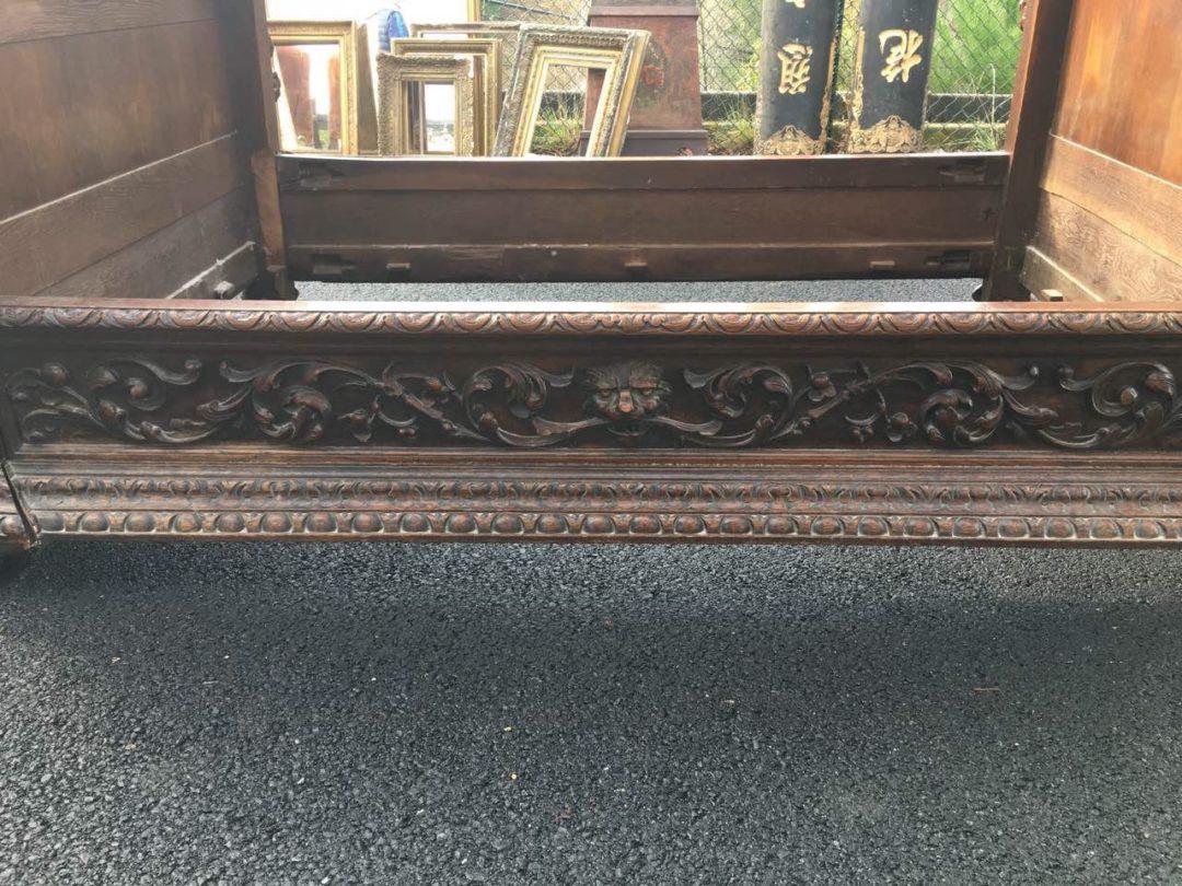 Антикварная ореховая кровать с балдахином в стиле Ренессанс 180415008