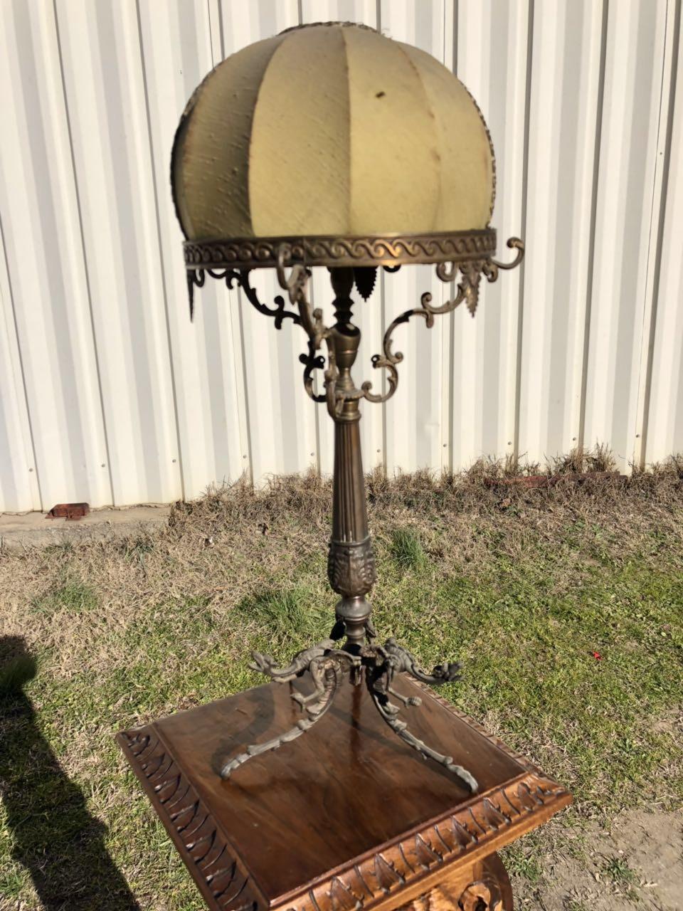 Антикварная настольная лампа из бронзы 190104002
