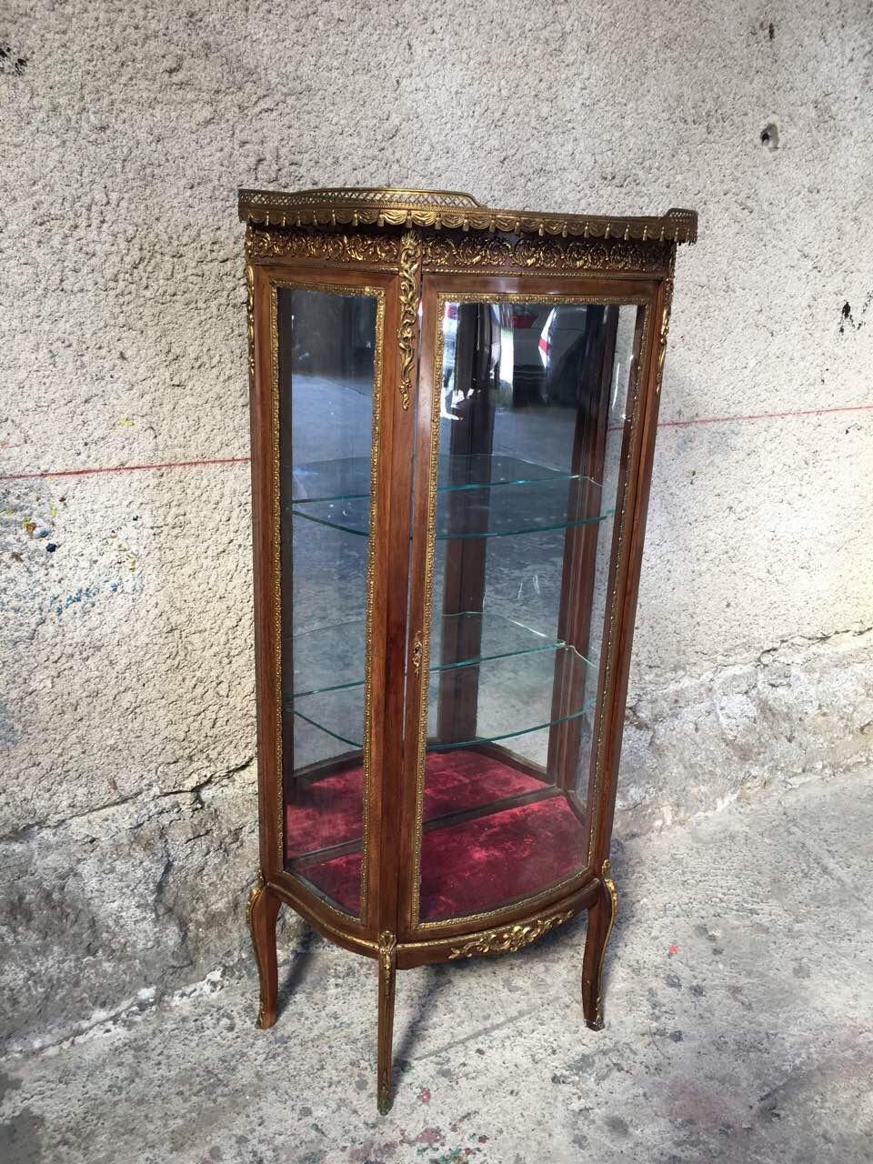 Антикварная витрина с элементами бронзы 180707006
