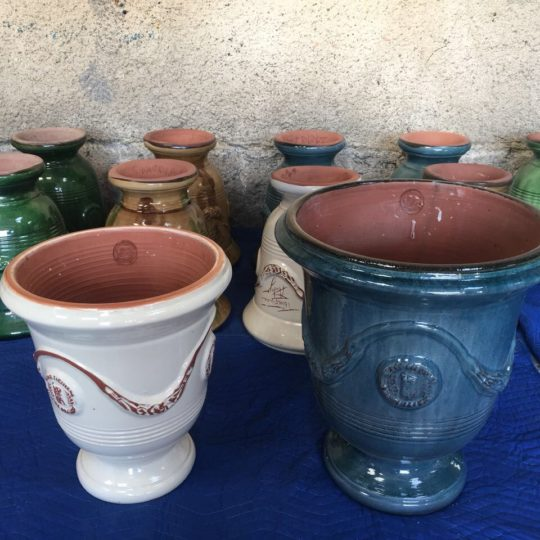 Современные керамические горшки покрыты эмалью известного французского производителя «Андуз» 180903