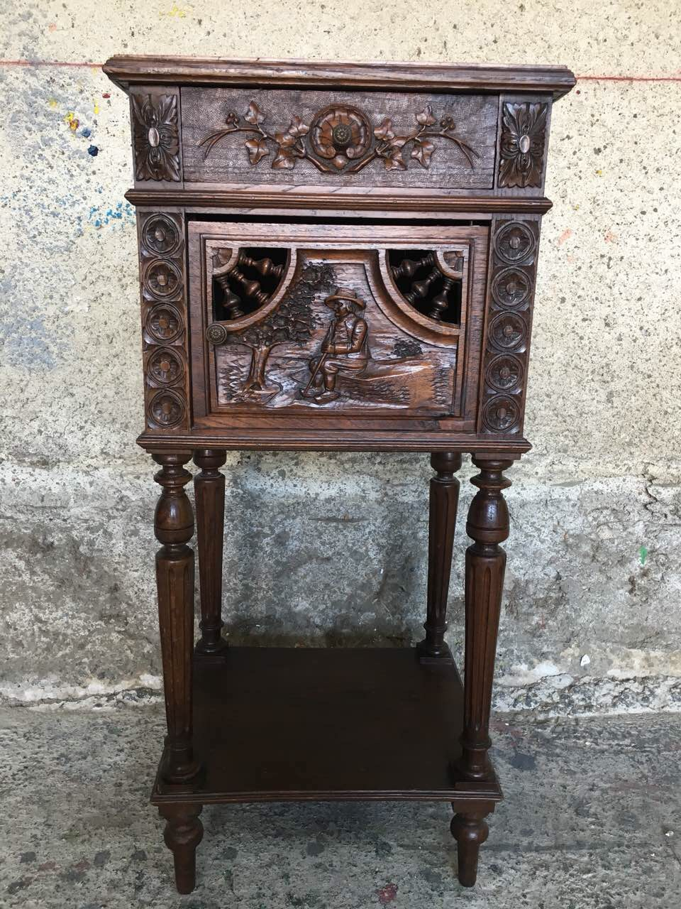 Антикварная дубовая тумбочка в стиле Бретон 180830001