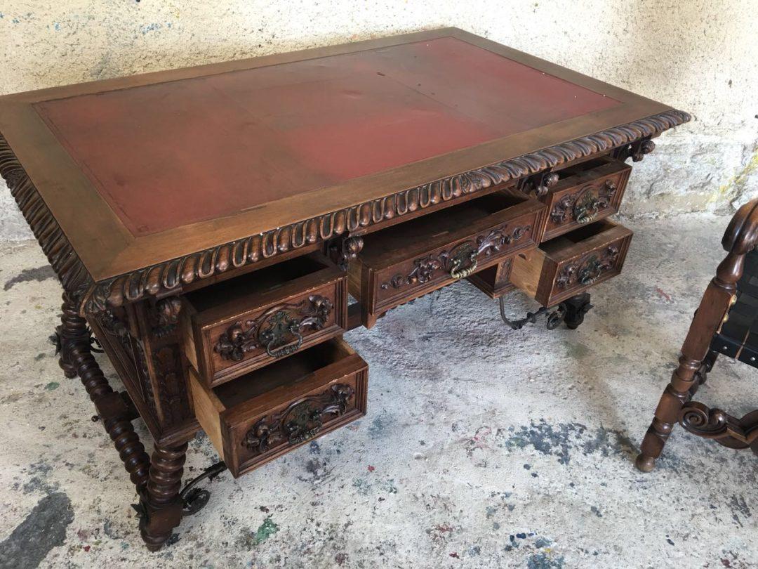 Антикварное резное бюро и кресло в стиле Испанский ренессанс 1809280041