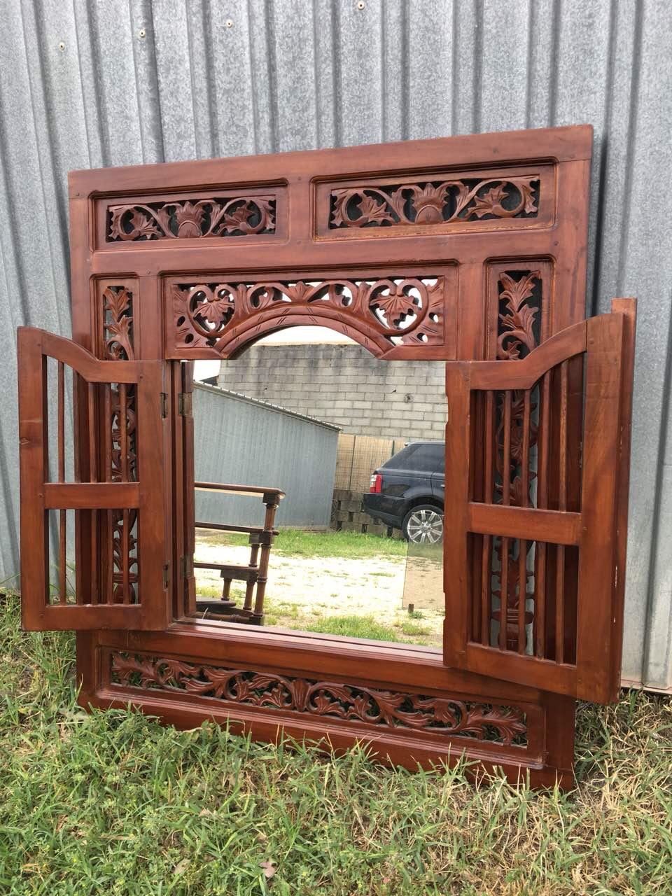 Винтажное деревянное зеркало с дверцами 180604001У
