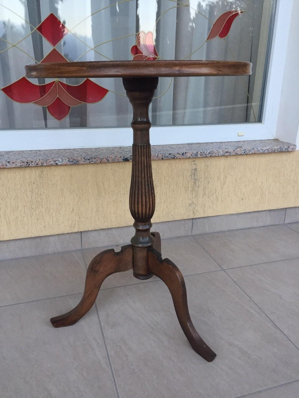 Старинный ореховый столик 20160411000