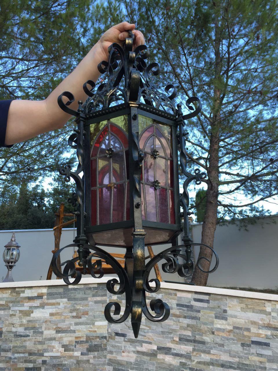 Антикварный фонарь с витражами