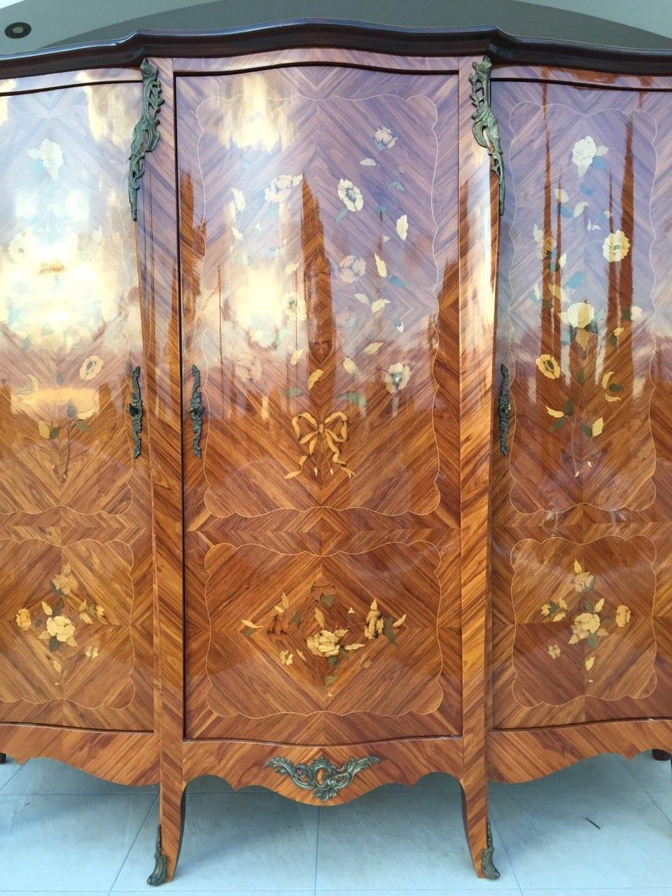Старинный спальный набор в стиле Луи XV