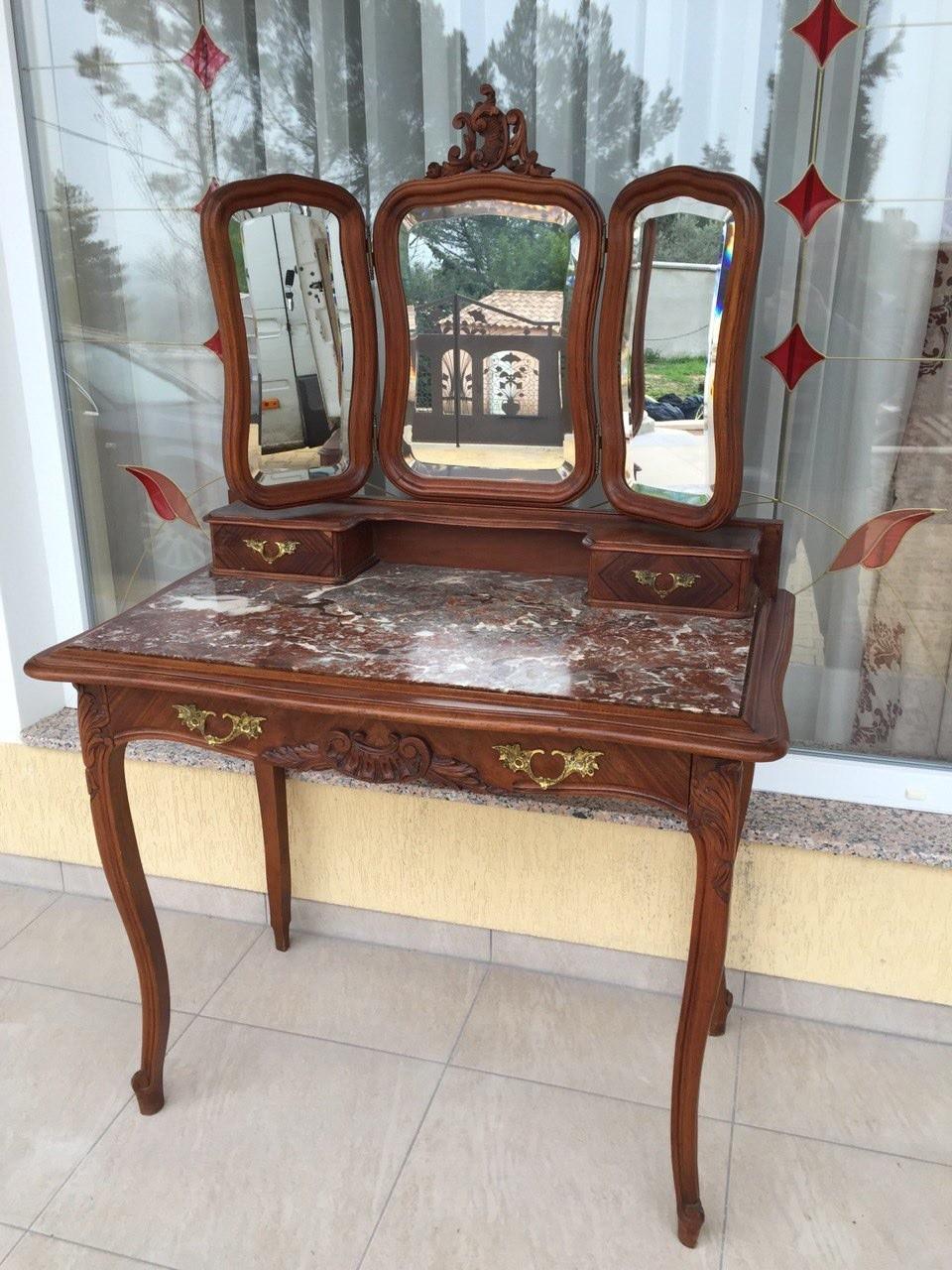 Антикварный туалетный столик в стиле Рококо
