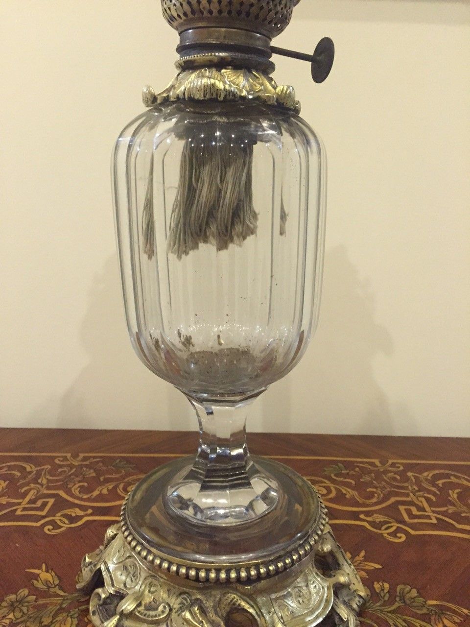Антикварная керосиновая лампа с хрустальной емкостью 160502003