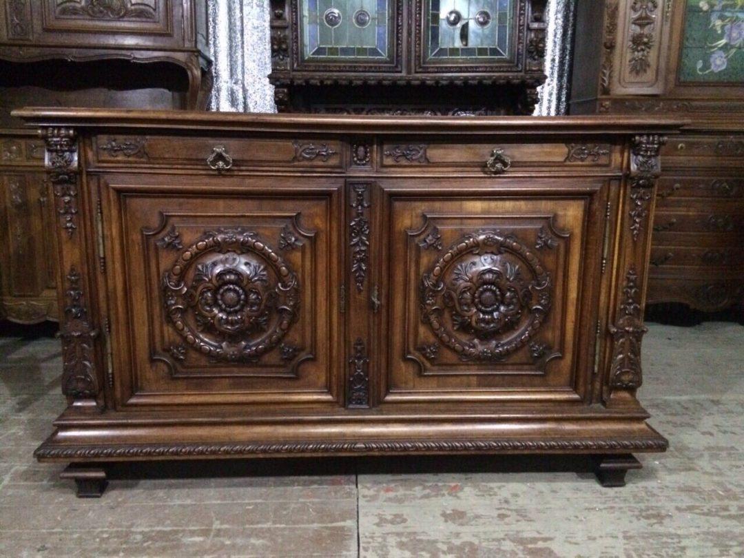 Антикварная амфилада  в стиле Ренесанс