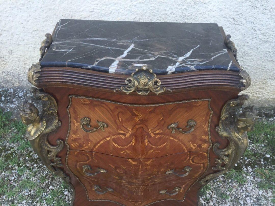 Антикварный комод в стиле Ренесанс
