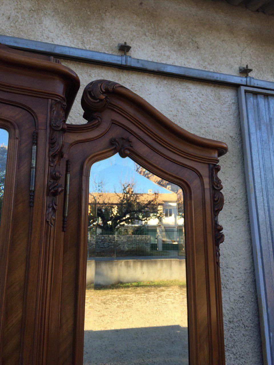 Антикварный ореховый шкаф с зеркалами в стиле Рококо 151206003