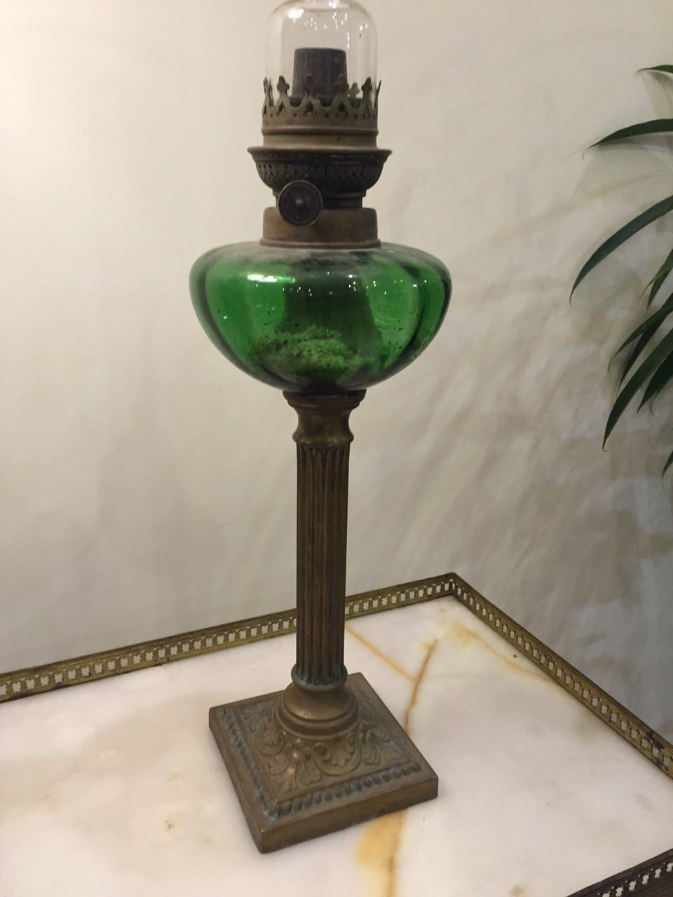 Антикварная керосинновая лампа 17102405