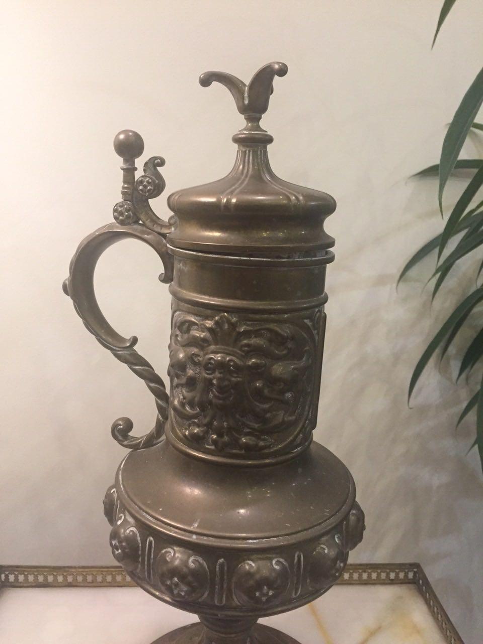 Антикварная бронзовая ваза