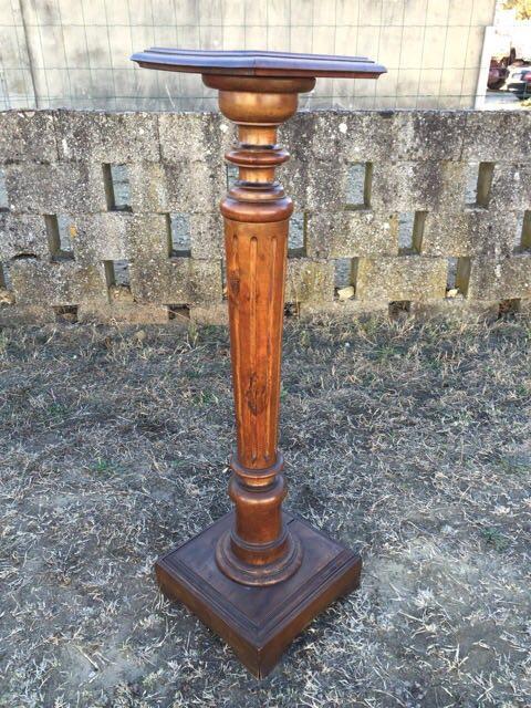 Антикварная ореховая колона-подставка 171124