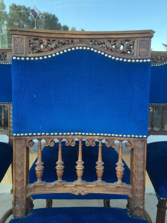 Старинные стулья в стиле Ренессанс