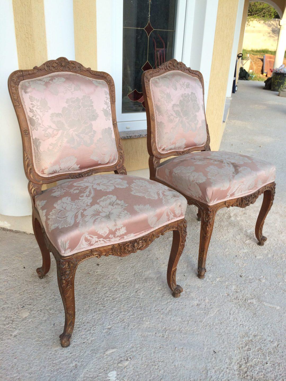 Старинные стулья в стиле Рококо