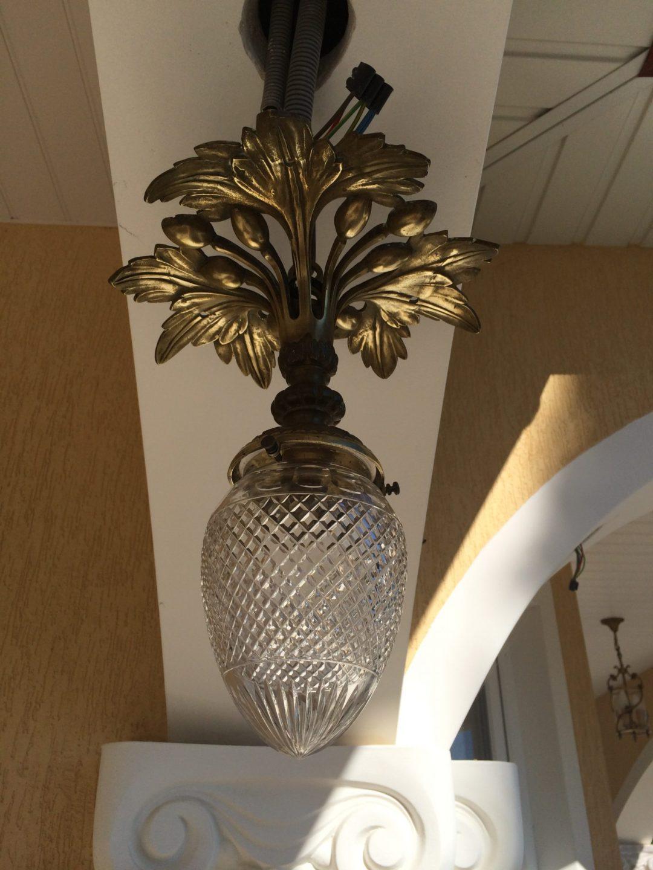 Старинный бронзовый фонарь с хрусталем