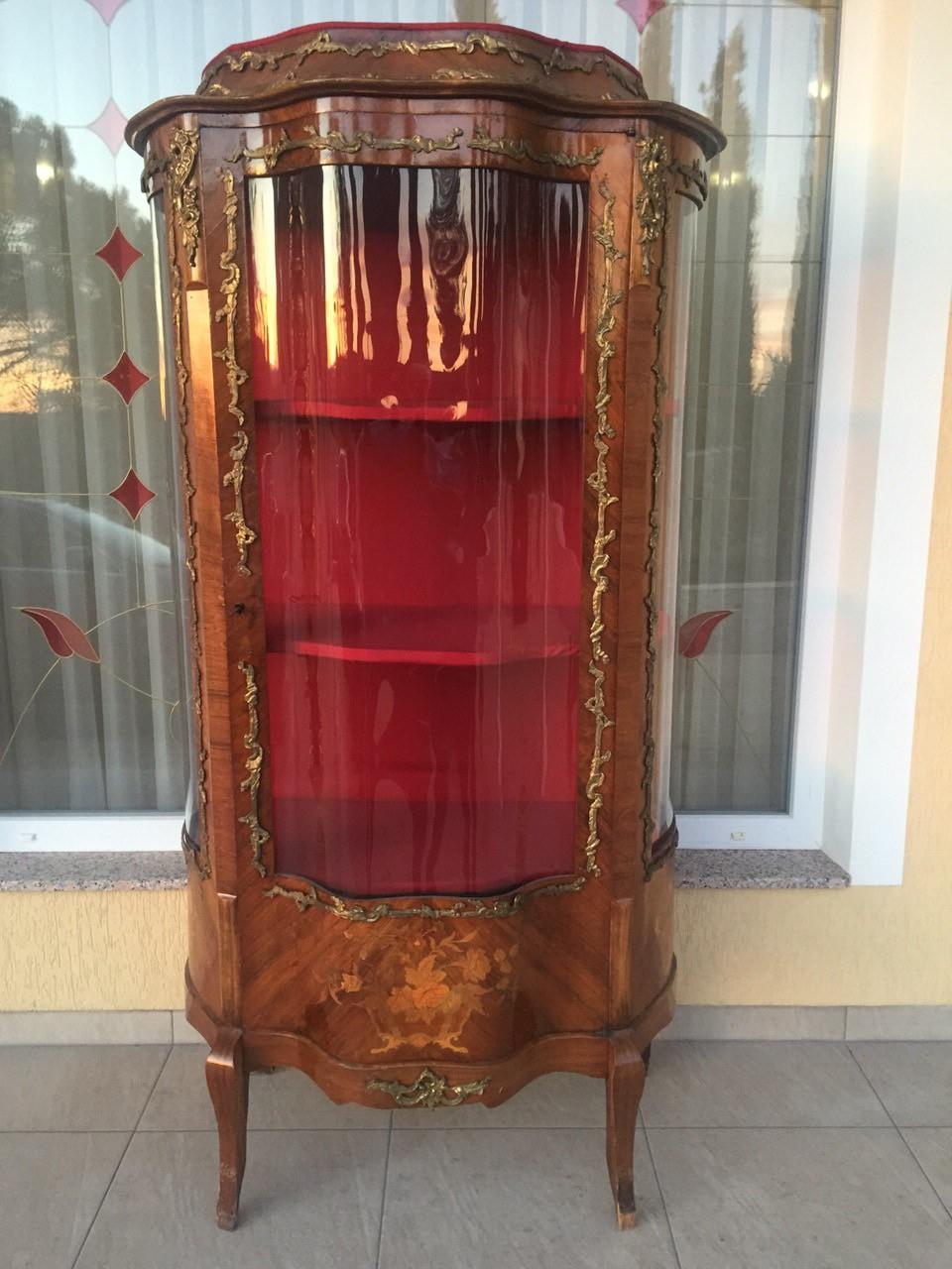 Антикварная витрина в стиле Луи XV эпохи Наполеона III