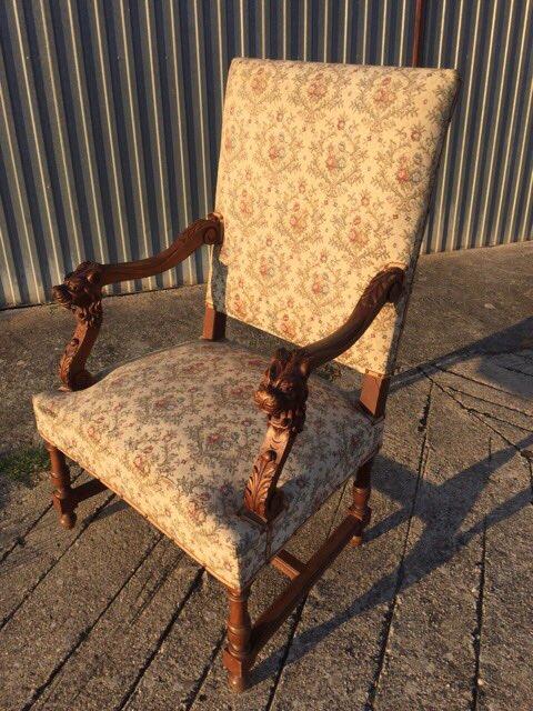 Антикварное кресло с резными подлокотниками 20170624051