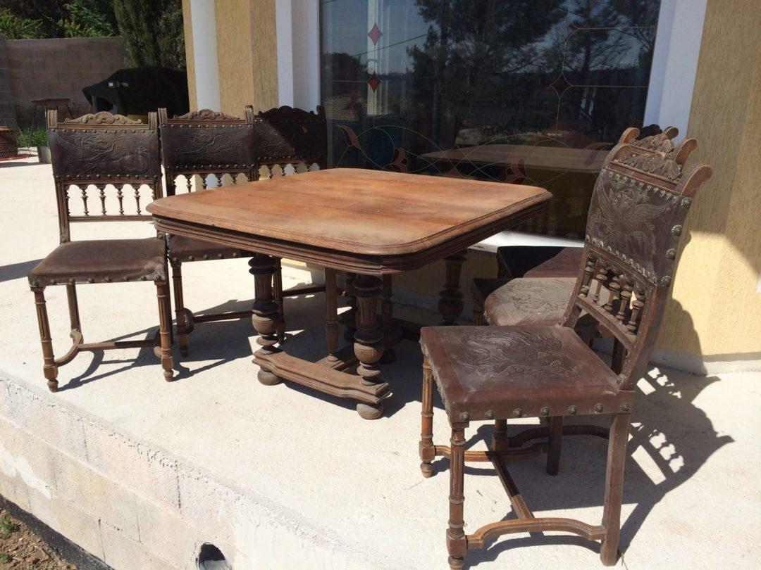 Старинный дубовый стол и шесть стульев в стиле Генрих