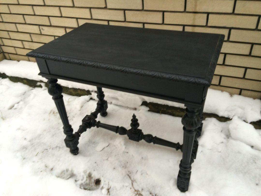 Старинный стол в стиле Наполеон
