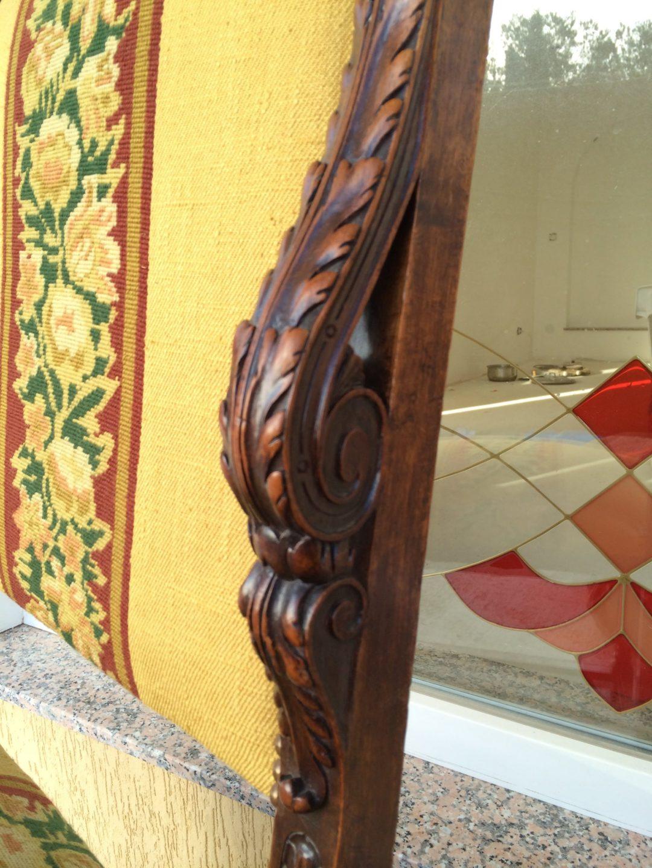Старинные кресла в стиле Ренессанс