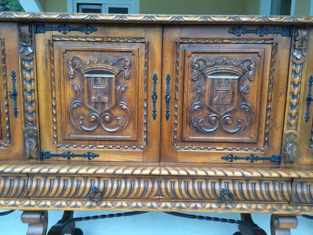 Старинная столовая в стиле Ренессанс 141209004