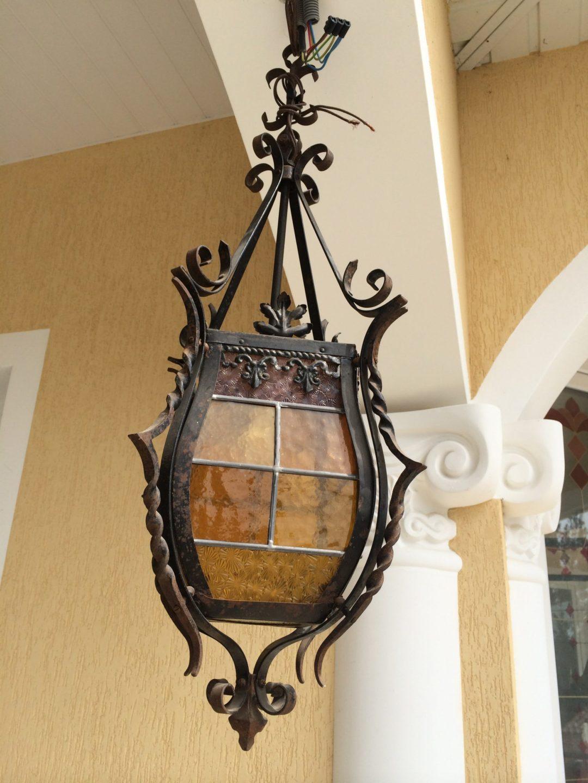 Старинный фонарь