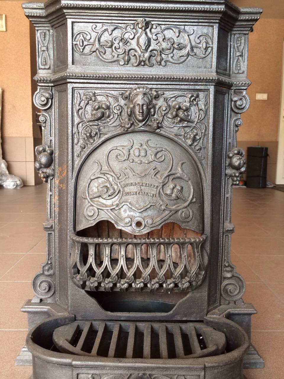 Старинная печь в стиле Ренессанс