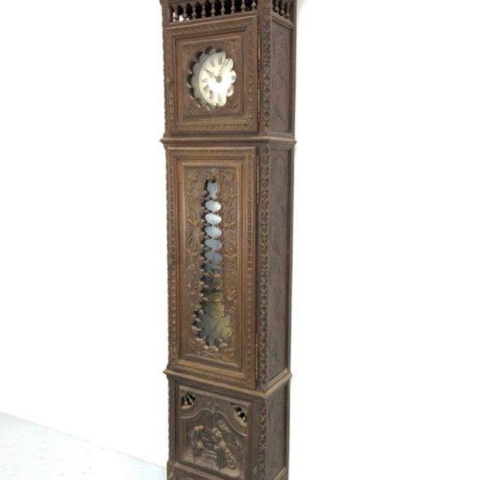 Антикварные напольные часы в стиле Бретон
