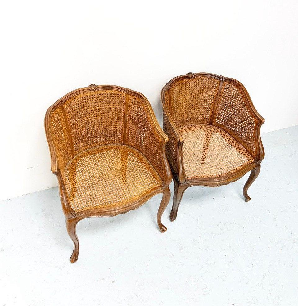 Антикварные кресла с ротангом в стиле Луи XV