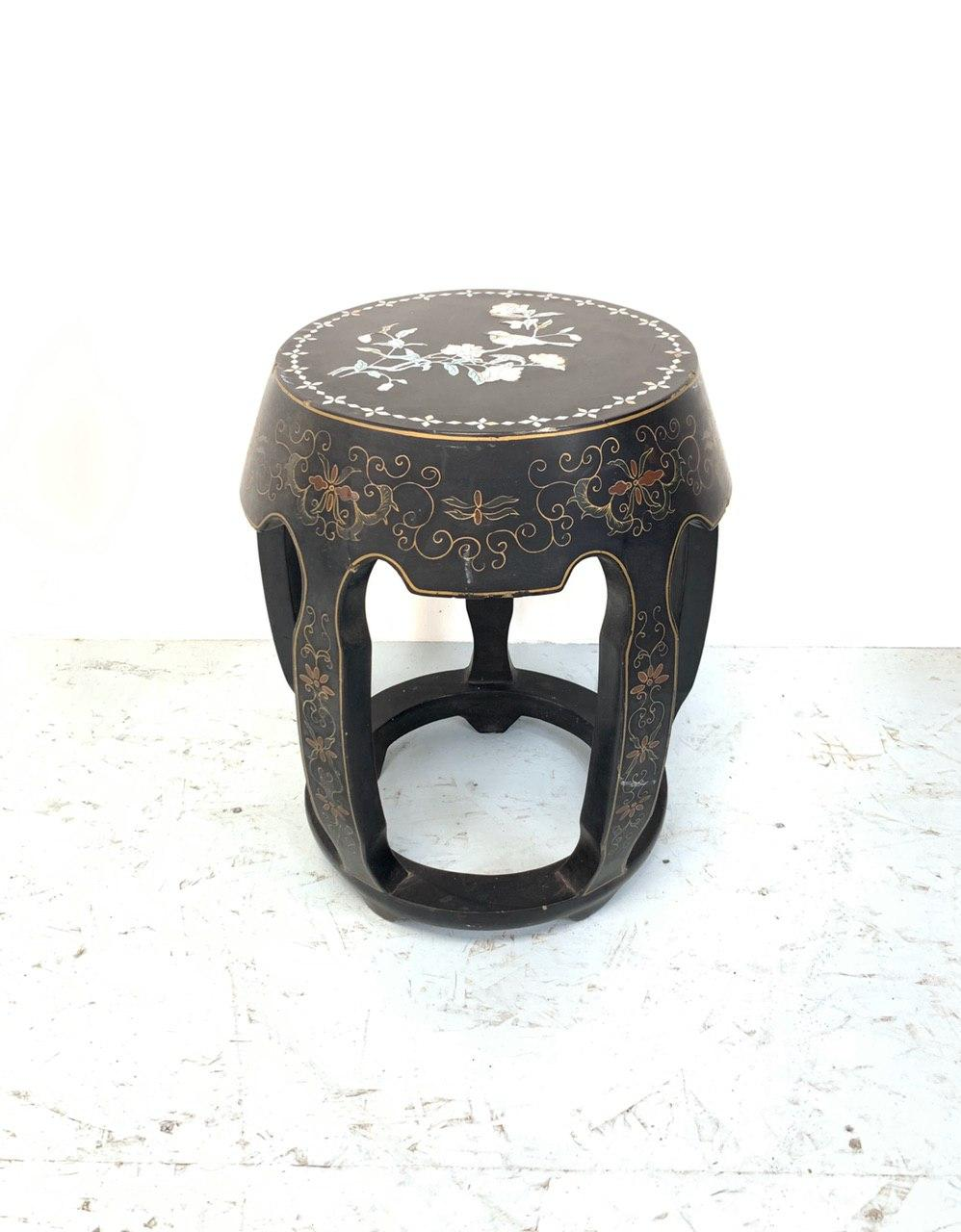 Винтажный табурет в стиле Шинуазри