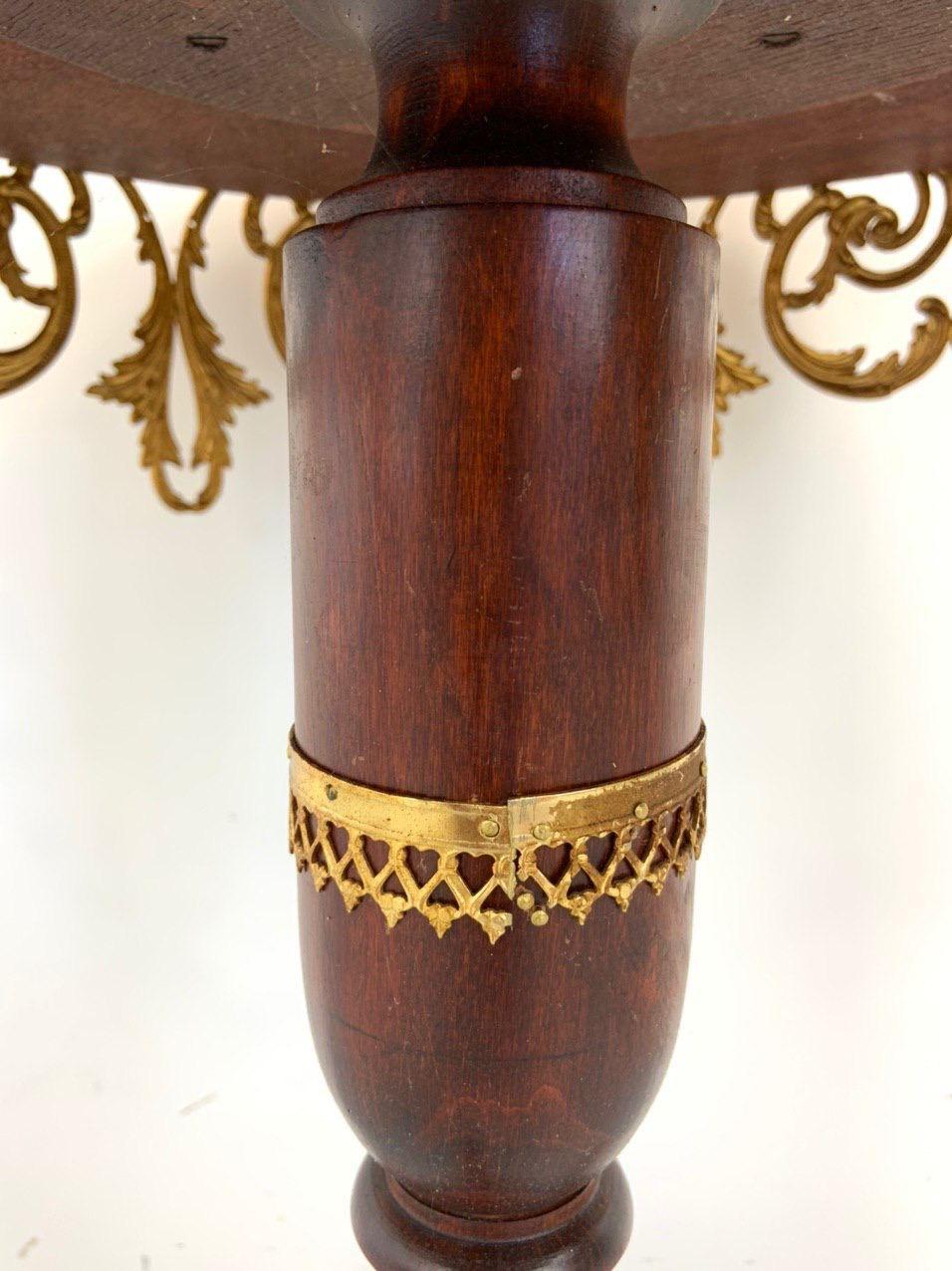 Винтажный столик в бронзовой оправе