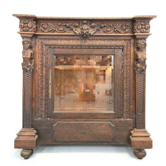 Антикварный комод-витрина в стиле Ренессанс