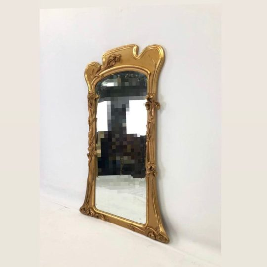 Антикварное зеркало в стиле Модерн