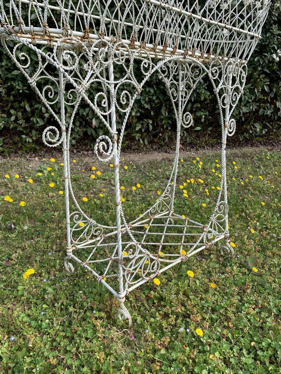 Антикварная садовая жардиньерка