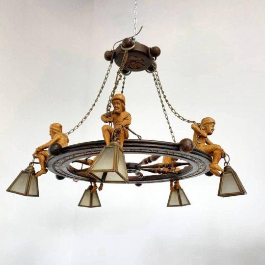 Антикварная люстра в стиле Бретон