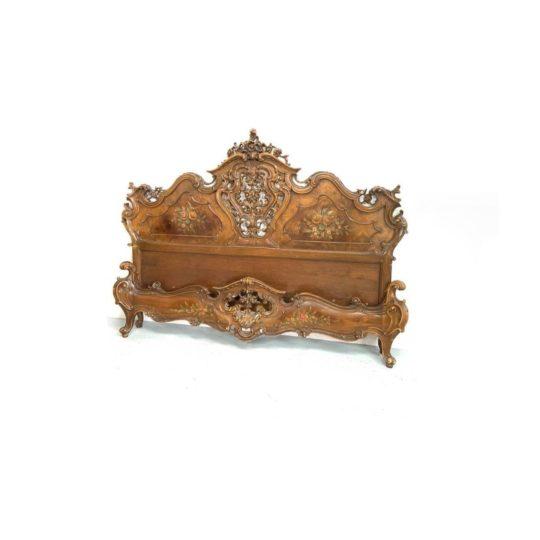 Винтажная кровать в стиле Барокко