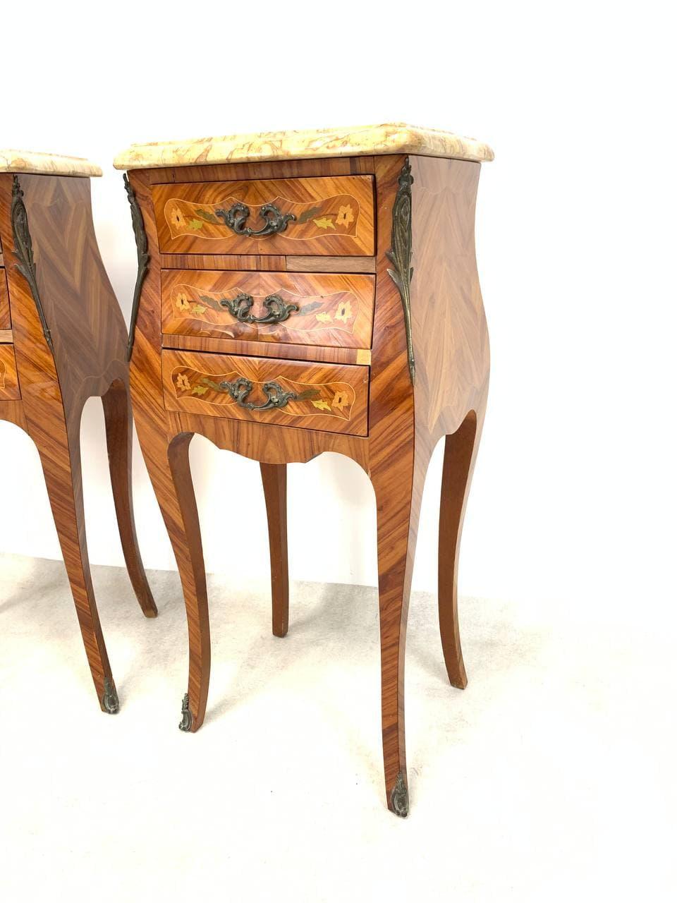 Винтажные тумбочки в стиле Луи XV