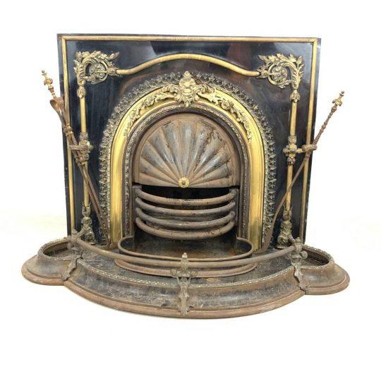 Антикварная печь-камин