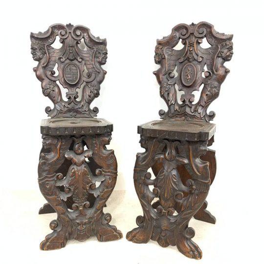 Антикварные кресла в стиле Итальянского Ренессанса