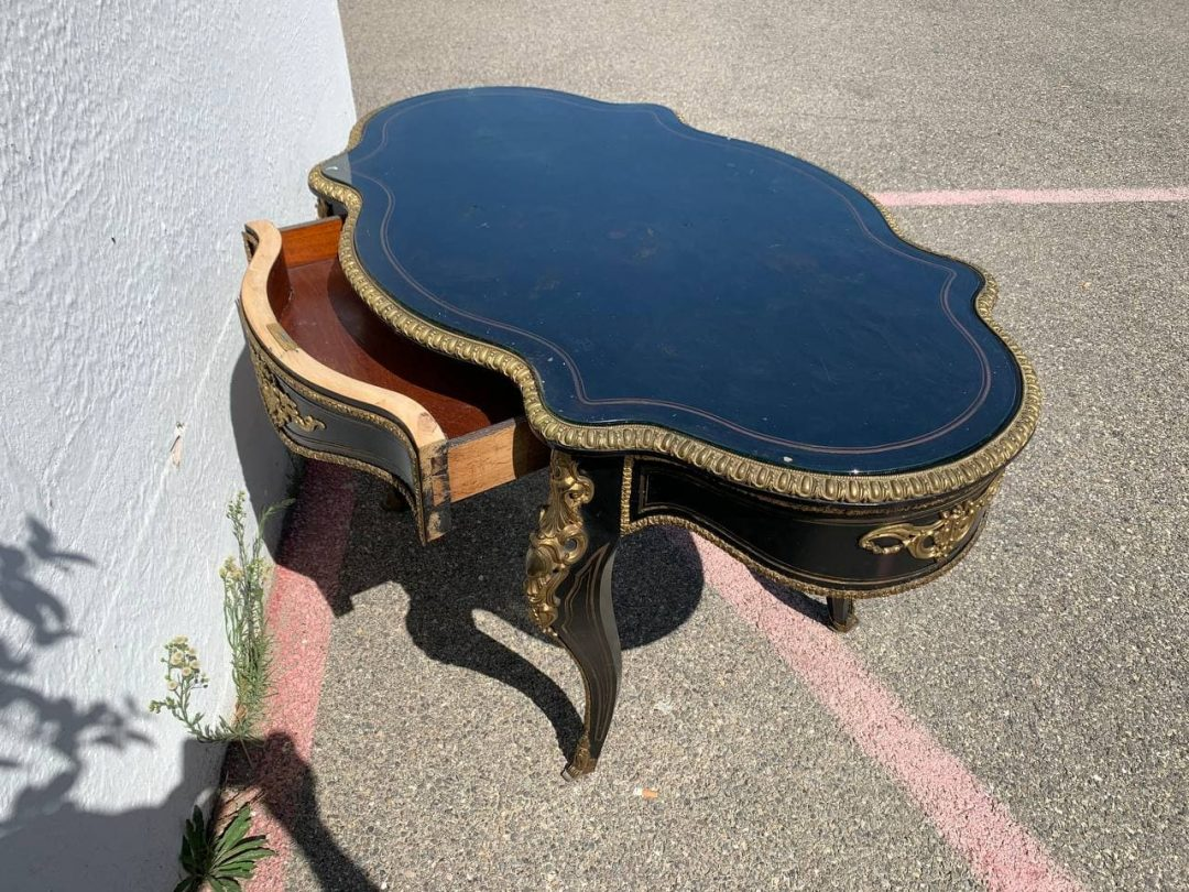 Антикварный стол эпохи Наполеона ІІІ
