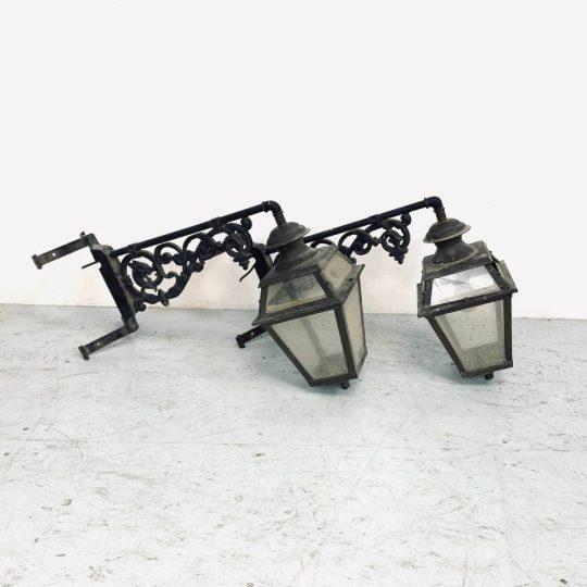 Антикварные угловые фонари