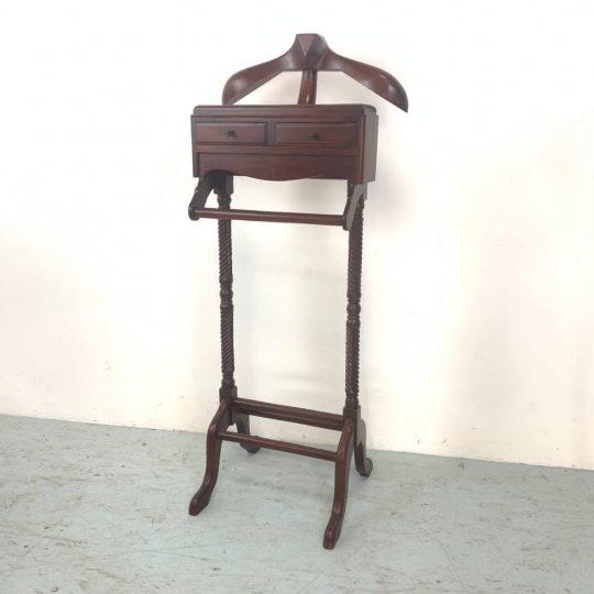 Винтажная вешалка «Валет» с двумя ящиками